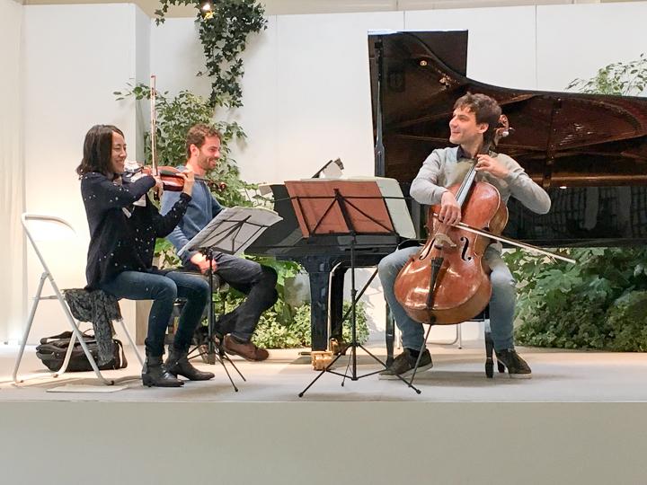 26-Trio Les Esprits